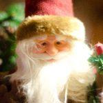 サンタクロースはどうして赤い服を着ているの?モデルは誰?