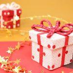 クリスマス会のプレゼント交換での予算と人気の商品は?